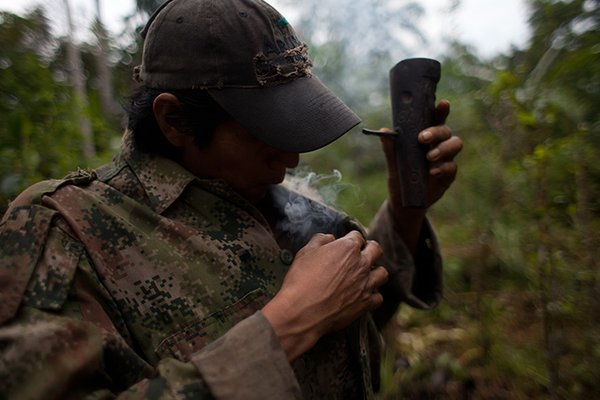 Lost-Tribes-of-the-Amazon-tobacco-12.jpg__600x0_q85_upscale