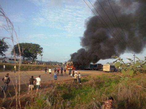 Ônibus do Consórcio Construtor de Belo Monte (CCBM) sendo incendiados e funcionários estão sendo impedidos de entrarem na obra.